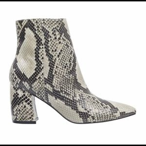 Marc Fisher Woman Ankle Booties Size 7.5 M